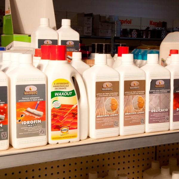 Forniture per l'edilizia materiali detergenti